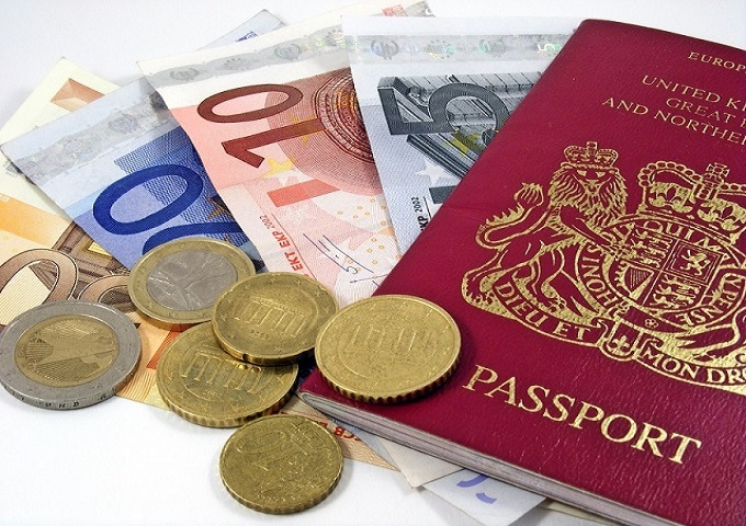 What to avoid when buying your foreign currency for your holiday